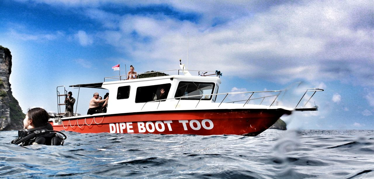 Scuba Diving Boat - Dipe Boot Too