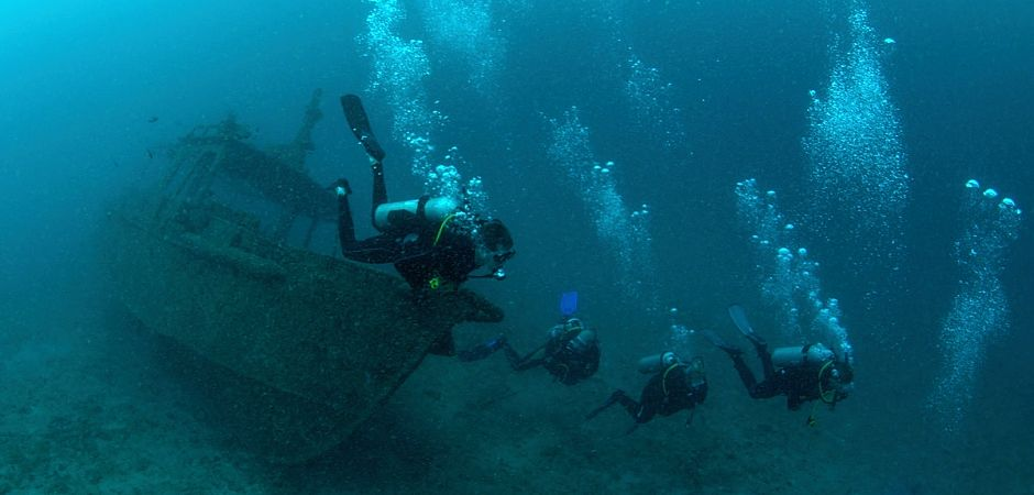 Diving Bali Safari Wreck Explorer