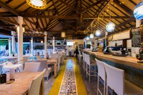 OK Divers Resort Restaurant & Bar Colonial