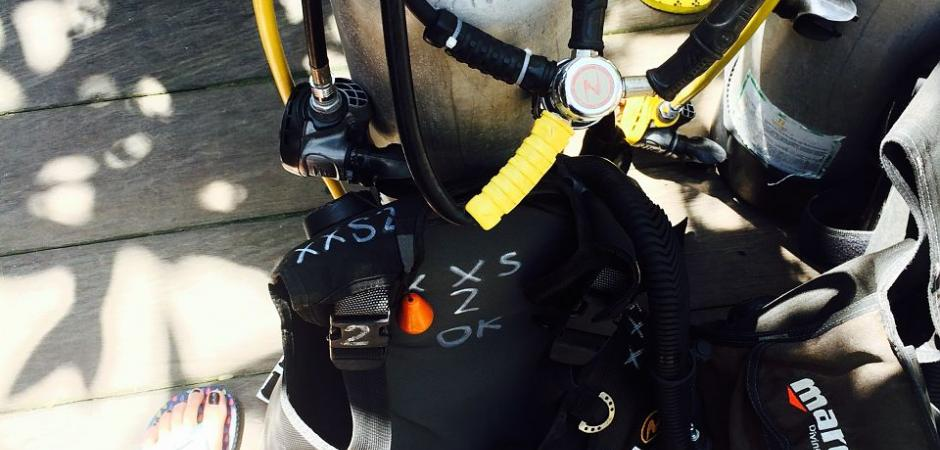 Open water diver course air bottle